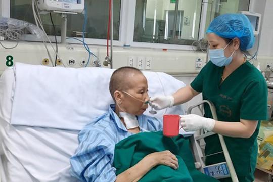 Bệnh nhân Covid-19 ngừng tim 3 lần được công bố khỏi bệnh
