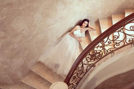 Lương Thùy Linh diện váy cưới đẹp như nàng công chúa bước ra từ cổ tích