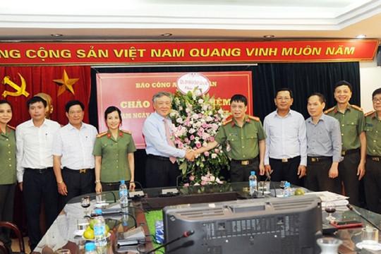Chánh án TANDTC Nguyễn Hòa Bình chúc mừng Báo CAND nhân Ngày Báo chí Cách mạng Việt Nam
