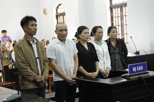 """Giảm án cho 4 bị cáo trong vụ """"trộn hỗn hợp pin vào cà phê"""""""
