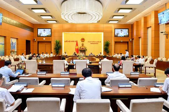 Phiên họp 46 UBTVQH: Có thể xem xét, đề xuất bổ sung trang phục xét xử của Hội thẩm nhân dân