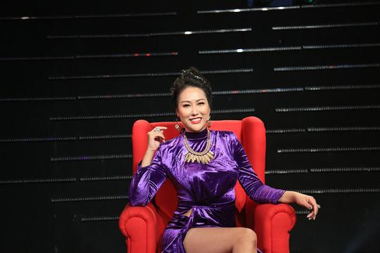 """Quyền Linh, Phi Thanh Vân tranh cãi """"nảy lửa"""" về phụ nữ"""