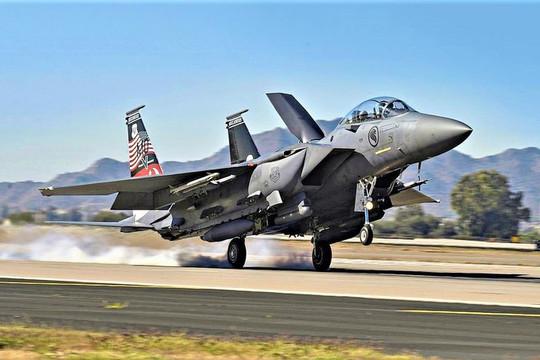 """Lầu Năm Góc đặt mua tiêm kích """"đại bàng bất bại"""" F-15EX dành cho vũ khí siêu thanh"""