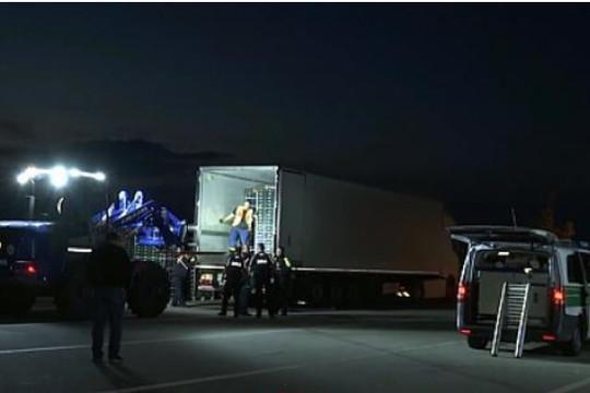 Tin vắn thế giới ngày 16/7: Đức phát hiện 31 người di cư trốn trong xe tải chở hàng đông lạnh