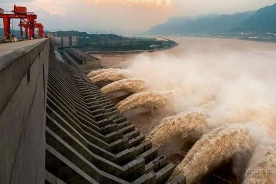 Đập Tam Hiệp vượt mức cho phép 12 mét