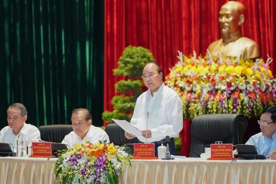"""""""Đảng, Nhà nước """"thấu hiểu"""" những khó khăn, thách thức với miền Trung"""""""