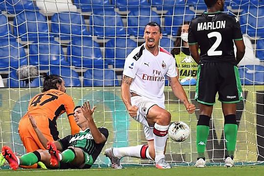 Ibrahimovic tỏa sáng lập cú đúp tại Serie A sau 8 năm