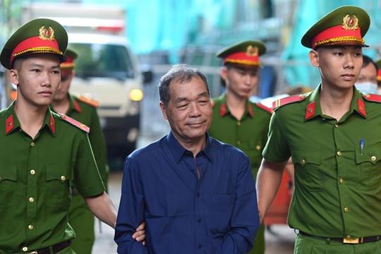 """Đại gia Trầm Bê cùng """"siêu lừa"""" Dương Thanh Cường hầu tòa"""