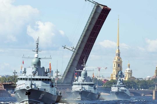 Hàng chục tàu chiến Nga tham gia tập trận quy mô lớn ở Biển Đen