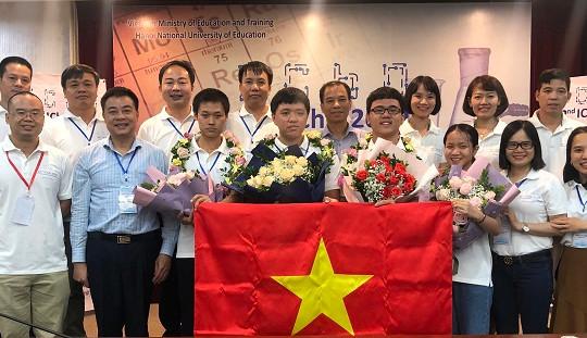 Việt Nam giành 4 Huy chương Vàng tại Olympic Hoá học quốc tế năm 2020