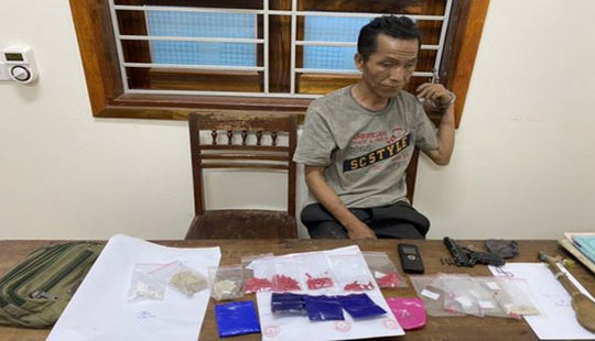 Bắt đối tượng buôn ma túy có trang bị vũ khí nóng