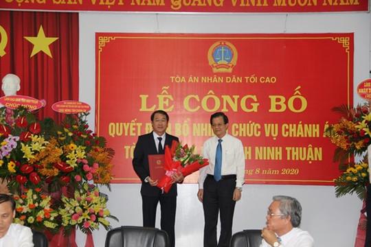 Trao quyết định bổ nhiệm Chánh án TAND tỉnh Ninh Thuận