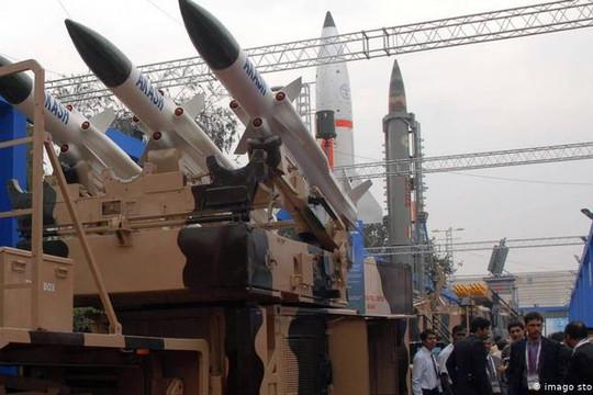 Tin vắn thế giới ngày 10/8: Ấn Độ cấm nhập khẩu 101 loại vũ khí
