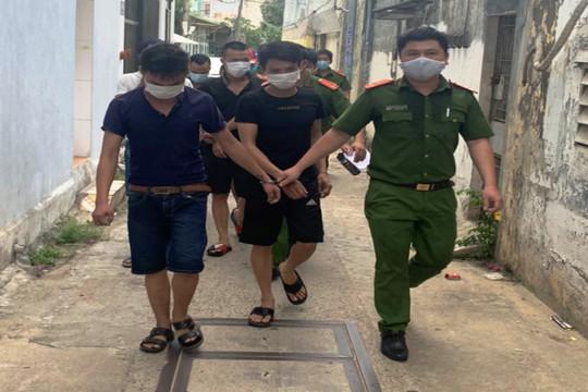 Bắt nhóm đối tượng thuê trọ mở sòng bạc giữa tâm dịch Đà Nẵng