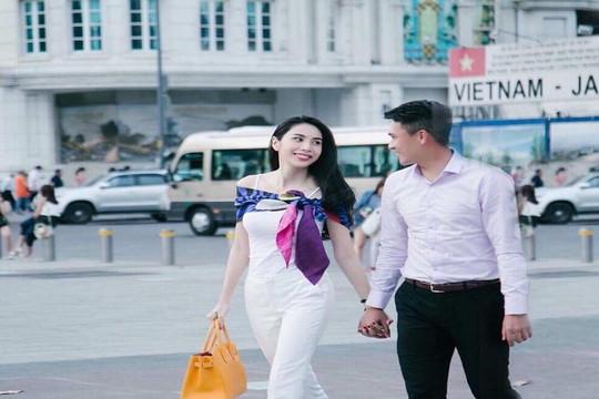 """Thương Công Vinh vất vả, Thủy Tiên tuyên bố """"chồng ở nhà vợ nuôi"""""""