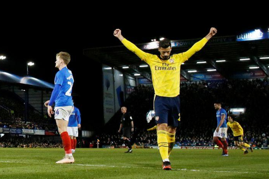 Hậu vệ Mari và Soares ký hợp đồng dài hạn với Arsenal