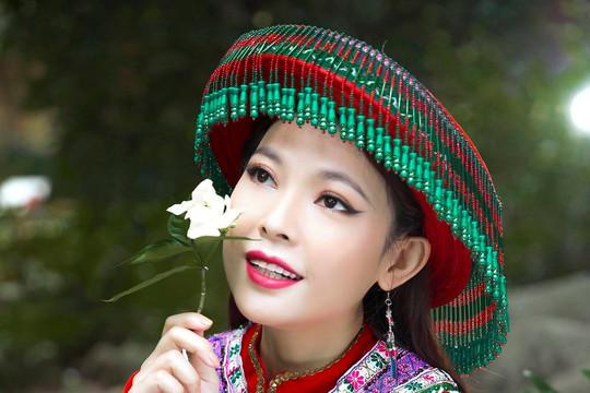 Kim Thanh Thảo truyền tải thông điệp bảo tồn văn hoá Thổ cẩm dân tộc