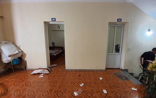 Nghi phạm đâm chết tình địch trong nhà nghỉ ở Quảng Ninh ra đầu thú