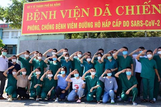Những y, bác sĩ chi viện cuối cùng rời Đà Nẵng