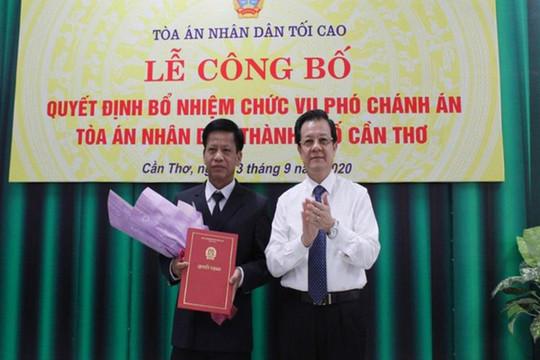 Trao quyết định bổ nhiệm Phó Chánh án TAND TP Cần Thơ