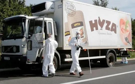 Áo: Phát hiện hàng chục người di cư trong xe tải đông lạnh
