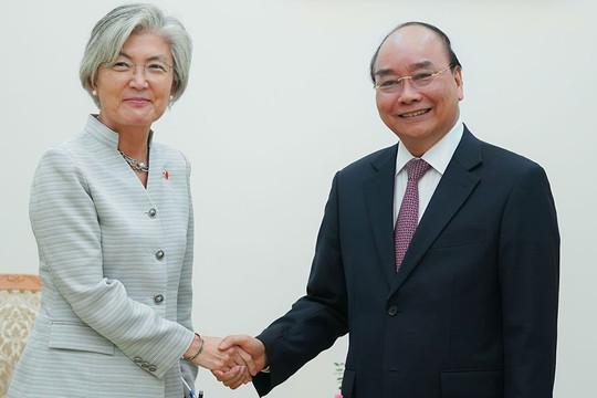 Việt Nam-Hàn Quốc: Tạo mọi điều kiện cho các chuyên gia, nhà quản lý, doanh nghiệp nhập cảnh