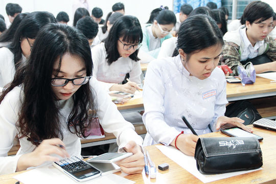 Cho phép học sinh dùng điện thoại trong lớp để phục vụ học tập