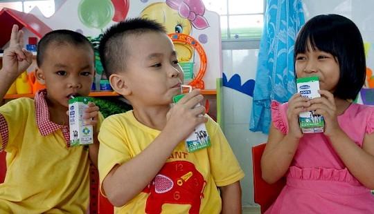 Bình Định: Tích cực triển khai chương trình sữa học đường trong năm học mới