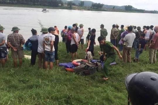 Tài xế liều mình nhảy sông cứu cô gái trẻ, cả hai tử vong dưới dòng nước xoáy