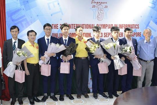 Đội tuyển Việt Nam đoạt 4 huy chương Olympic Tin học quốc tế năm 2020