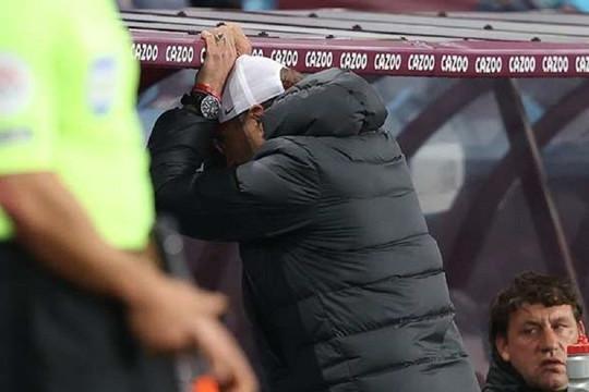 Liverpool thảm bại: Khi Jurgen Klopp chỉ biết cười trừ