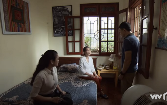 Lửa ấm tập 6: Thủy và Minh sẽ làm gì khi bà Mai đòi tìm bác sĩ tâm lý cho con trai?