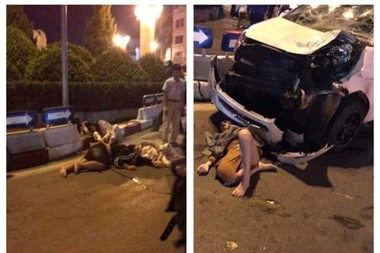 Xe máy chở 4 người va chạm với ô tô, 3 người trọng thương