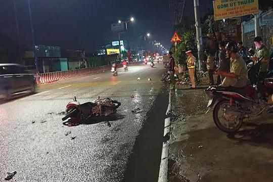 Hai xe máy va chạm, 5 người thương vong
