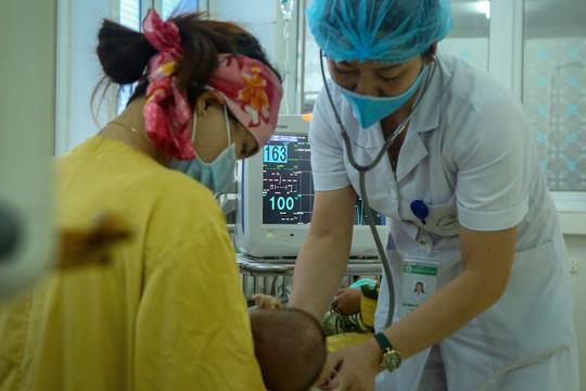 Sơn La: Thêm nhiều trẻ nhập viện sau tiêm vắc xin 5 trong 1