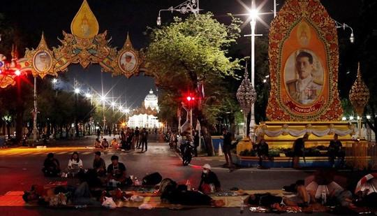 Tin vắn thế giới ngày 15/10: Biểu tình gia tăng, Thái Lan cấm tụ tập trên 5 người