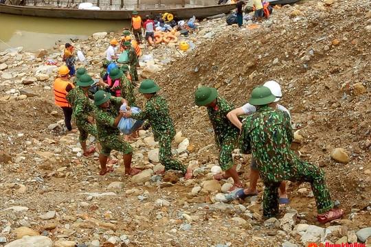 Huy động các lực lượng tiếp tục tìm kiếm 15 nạn nhân mất tích ở thủy điện Rào Trăng 3