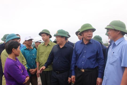 Phó Thủ tướng Trịnh Đình Dũng chỉ đạo việc tìm kiếm người mất tích do sạt lở ở Quảng Trị