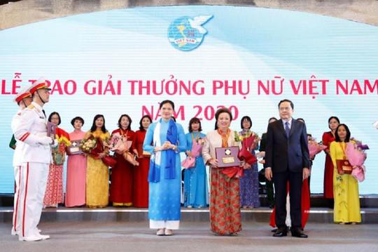 Chủ tịch tập đoàn BRG bà Nguyễn Thị Nga - Nữ doanh nhân duy nhất được tôn vinh phụ nữ Việt Nam 2020