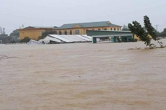 Trung Bộ tiếp tục mưa to, nguy cơ cao xảy ra lũ đặc biệt lớn