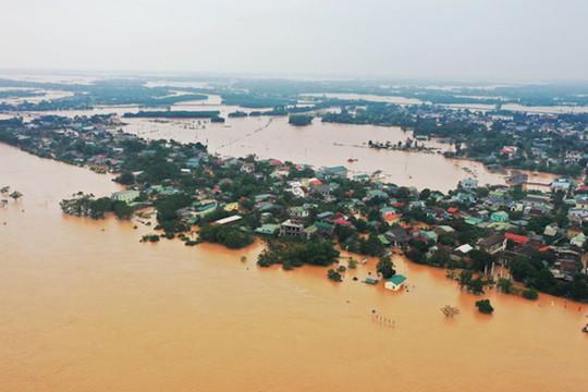 6 bệnh viện tuyến trên chi viện các tỉnh miền Trung bị lũ lụt