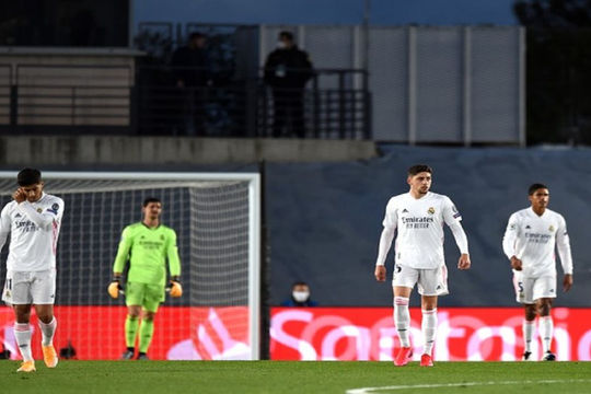 Real Madrid: Hướng tới El Clasico bằng sự ủ rũ và rệu rã