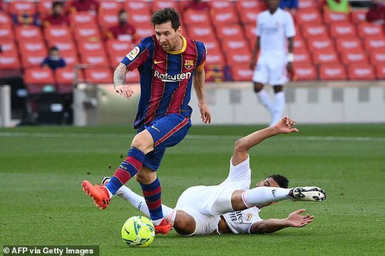 Barca gục ngã trên sân Nou Camp trong trận El Clasico