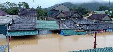 Mưa lớn, lũ quét khiến nhiều địa phương ở Hà Tĩnh, Nghệ An ngập nặng