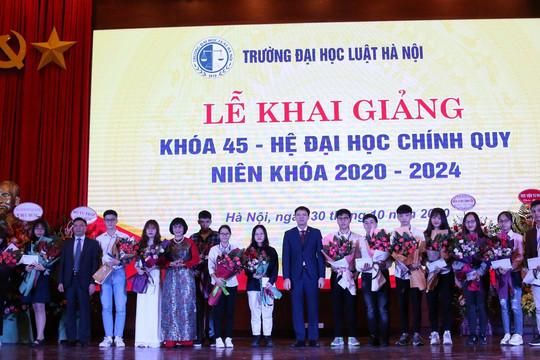 Trường ĐH Luật Hà Nội khai giảng năm học mới
