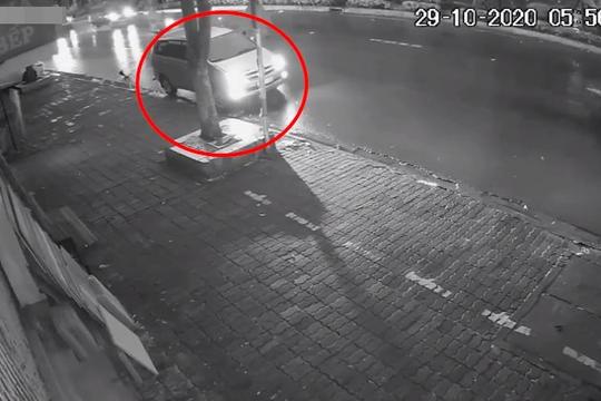 Đã tìm thấy tài xế ô tô tông cụ bà ngồi trên vỉa hè tử vong