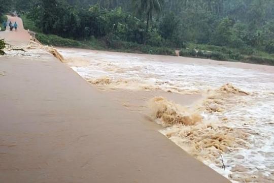 Xuất hiện lũ, gây ngập úng nhiều nơi ở các huyện phía Bắc tỉnh Bình Định