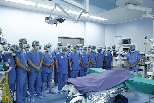 150 bác sĩ, 12 bàn mổ cấy ghép tạng cứu 6 người cùng lúc