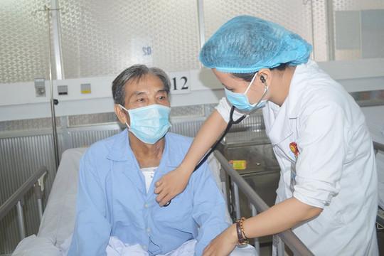 """Phẫu thuật 3 van tim cùng lúc đưa bệnh nhân trở về từ """"cửa tử"""""""