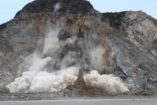 Quảng Ninh: 2 công nhân tử nạn tại khai trường mỏ đá
